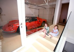garage dino